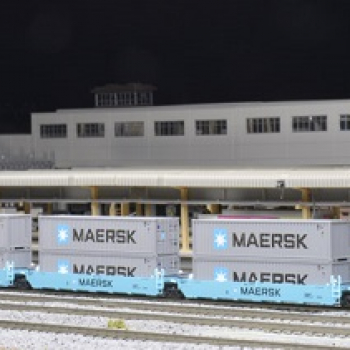 Kato 106-6199  Gunderson MAXI-I Double Stack Car MAERSK Rd# 100043